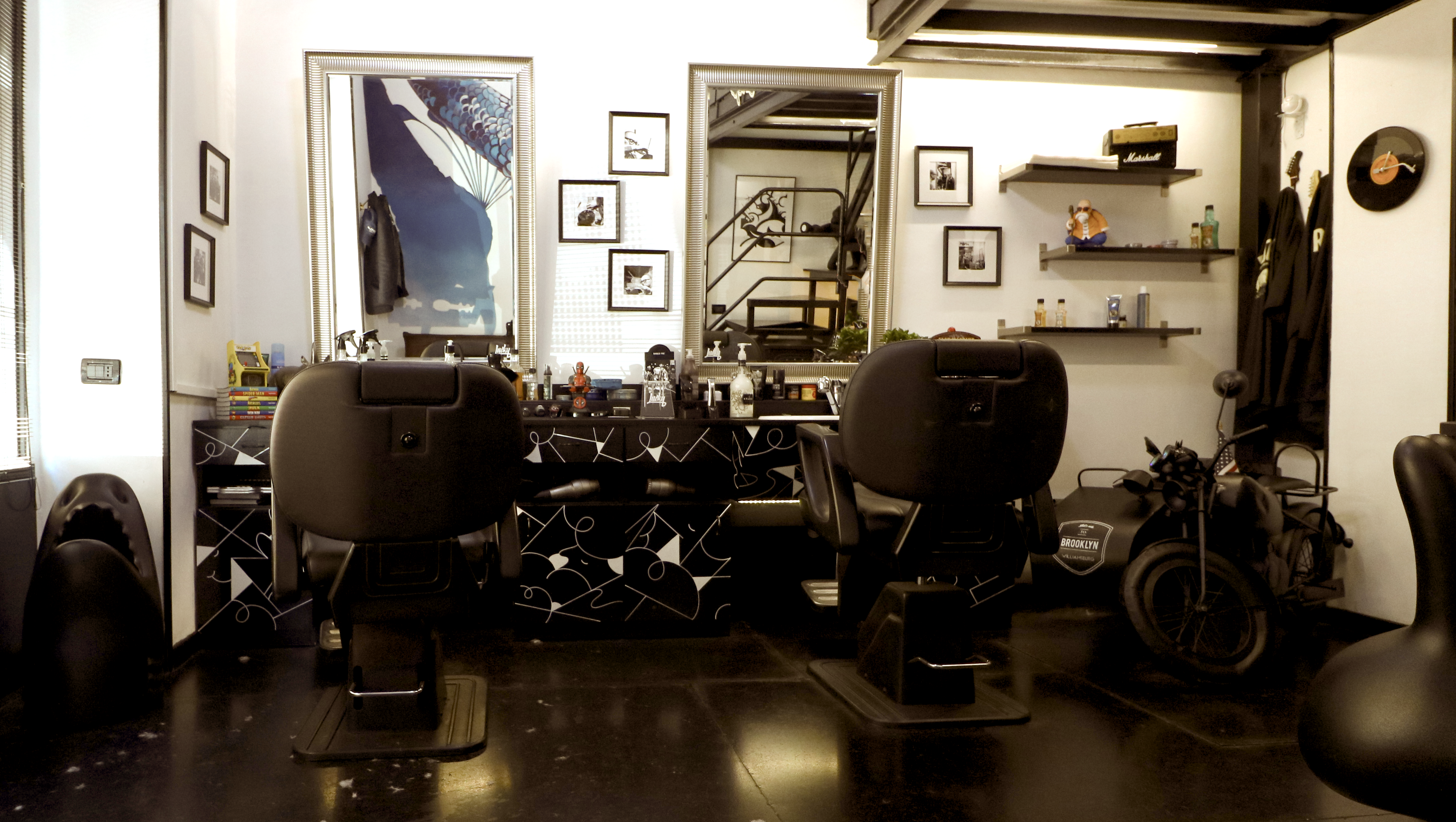 Lucky BArber Interno 3